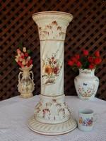 Posztamens kézzel festett kaspó vagy váza tartó