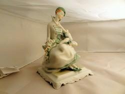 Herendi tél kisasszony figura puttóval