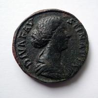 Diva Faustina sestertius