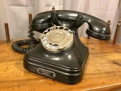 Fekete bakelit telefonkészülék, 1940 körül, Standard