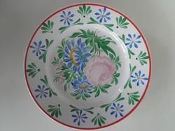 Falitányér, Kovács Imréné, porcelánfestő munkája.