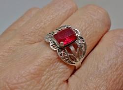 Elegáns antik rubin köves ezüst gyűrű