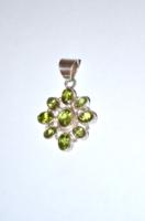 Sok szép zöld köves ezüst medál