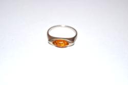 Borostyán köves ezüst gyűrű 01