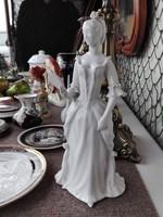 Hollóházi alapmázas,tükrös nő porcelán
