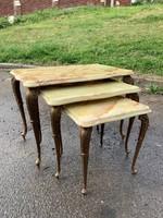 Márványlapos kis asztalka szett 3 db-os