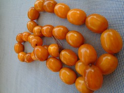 VINTAGE ANTIQUE  HONEY AMBER BUTTERSCOTCH LARGE BEAD BAKELITE NECKLACE 105 GR