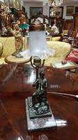 Restaurált szobros asztali lámpa