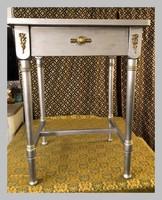 Fiókos kis asztal,78.5cm magas, női íróasztalka