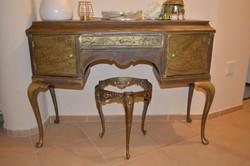 Barokk fesülködőasztal