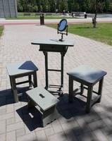 Kis vintage fenyő fésülködő asztalka + 2 hokedli