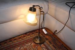 Asztali lámpa csipkés búra éjjeli vagy könyvtár lámpa szecessziós.Bank làmpa, irodai,
