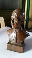 Hitler szobor