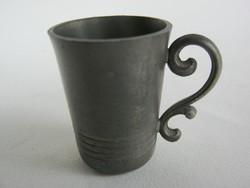 Ón röviditalos pohár