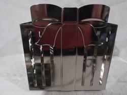 Gyertyatartó - fém - nagy -  csomag alakú - vastag anygból - 13 x 12 x 12 cm