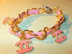 Chanel Pink bőr betétes Arany b. desinger Karkötő
