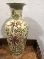 Áralat elado nagy méretü zsolnay váza szép gyüjtoi darab