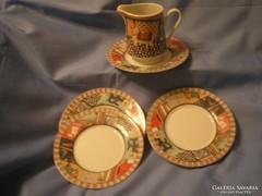 5-db-os porcelán Aprósüteményes Tányérok, Tejkiöntő
