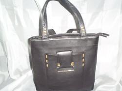 Fekete eredeti bőr kézi táska  (kis méret)