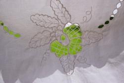 Vászon hímzett tölgy makk mintás ovális terítő 200 x 125 cm Vadász vadászház