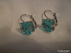TÜRKIZ szinű kristály fülbevaló
