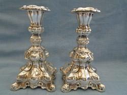 Díszes, barokk gyertyatartó szépen megmunkált darabok