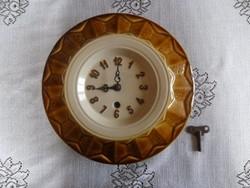 Régi kerámia/porcelán falióra 27 cm-es (mechanikus, kulcsával együtt)