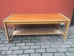 Retro lakkos dohányzóasztal kis asztal
