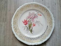 Dúsan aranyozott porcelán tányér
