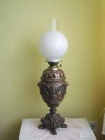 Régi vadászjelenetes óriási asztali petróleum lámpa