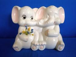 Kerámia persely, aranyos elefántok, ölelkező elefánt pár
