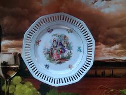 Áttört díszes antik tányérok
