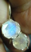 925 ezüst fülbevaló szivárványos holdkővel, biztonsági kapoccsal