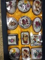 12 db Jelzett Porcelán kis szelencék-dobozok- ékszertartó