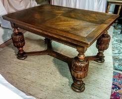 Antik bővíthető étkezőasztal 6 székkel