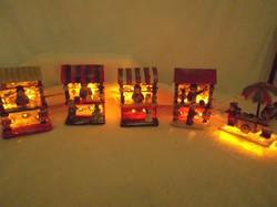 Adventi vásár 5 bódé - 13 x 9 x 8 cm porcelán - műgyanta - égősor cserélhető - Német