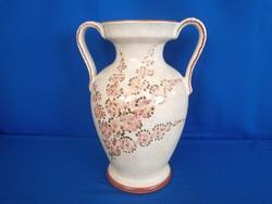 Gyönyörű, jelzett, kézzel festett majolika / kerámia barackvirágos nagy füles váza