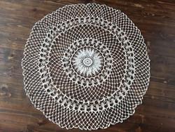 Antik laza horgolású kör alakú csipketerítő hibátlan tört fehér 100 cm átmérő
