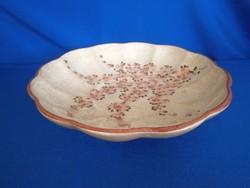 Gyönyörű, jelzett, kézzel festett majolika / kerámia barackvirágos nagy kínáló tál