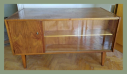 Különleges retro íróasztal, hátsó részén vitrines, könyves polc és kis szekrény tész