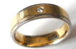 Női 14 k-os karikagyűrű  gyémántkővel