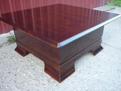 Tömör tölgy tárolós dohányzó asztal