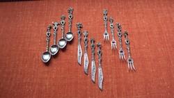 Különleges nyélmintázatú(VELENCE jelk.)ezüstözött,3x4 darabos,olasz gyártmányú, desszertes készlet.