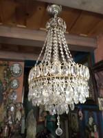 """A gyöngyös résznél 63 cm magas 35 cm széles """"kristály"""" csillár , préselt üveg gyöngyökkel ."""