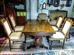 Antik faragott bővíthető étkező asztal 4 db L. F. Christensen székkel.