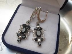Csodás fülbevaló 14 valódi, sötétkék zafír kővel 925 ezüst