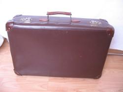 50x32x15 cm-es régi bőrönd