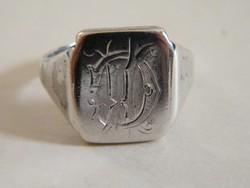 Antik, monogramos vésett ezüst pecsétgyűrű