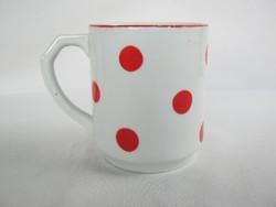 Kispesti porcelán piros pöttyös bögre