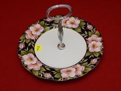 Royal Albert fekete alapon virágos kínáló tányér.